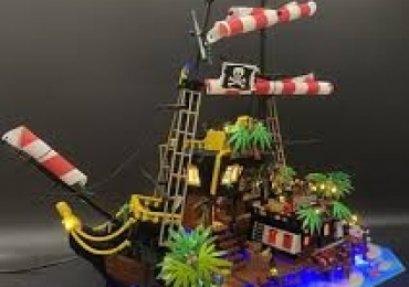 Buy LEGO Ideas 21322 Pirates of Barracuda Bay Lighting Kit