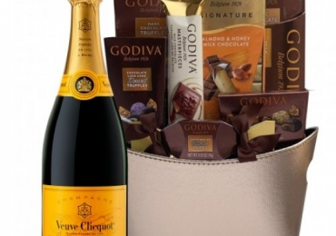 Buy Champagne Gift Baskets Online At Lowest Price